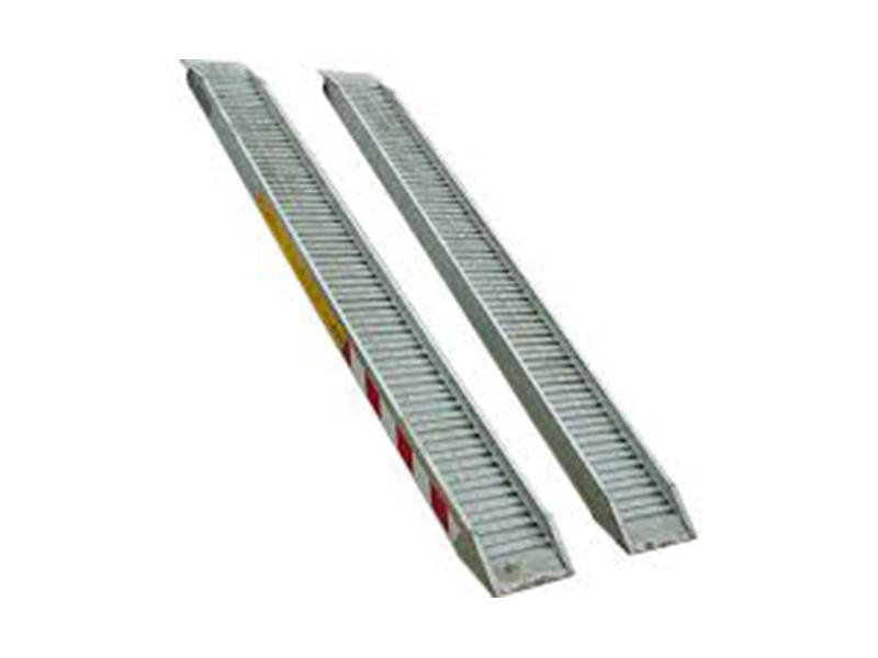 Vendita e noleggio rampe da carico fino 0 9 ton general for Rampe da carico usate